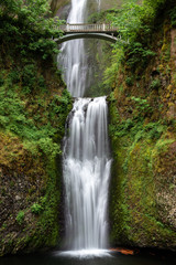 Fotobehang Watervallen Multnomah Falls in Columbia River Gorge, Oregon, USA