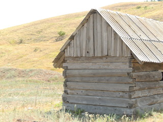 house, wood, building, old, wooden, rural, cabin, home, log, architecture, nature, cottage, village, grass, sky, shed, farm, barn, landscape, hut, country, roof, structure, tree, summer