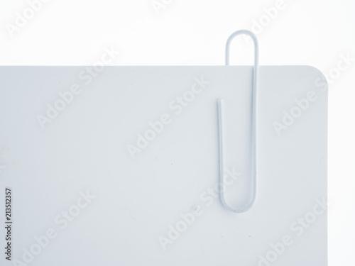 Buroklammer Auf Weissem Hintergrund Stockfotos Und Lizenzfreie