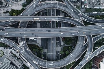 Keuken foto achterwand Nacht snelweg Aerial view of highway and overpass in city