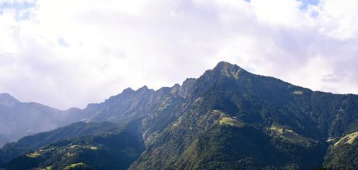 Die Alpen Rufen. Trekking concept. Tourismus in Deutschland, Österreich und Italien