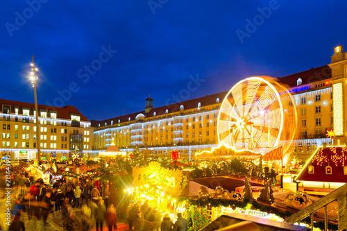 Weihnachtsmarkt In Dresden.Weihnachtsmarkt In Dresden Deutschland Stockfotos Und Lizenzfreie