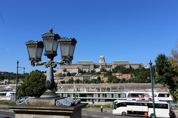 Будапешт столица Венгрии , город на берегу Дуная