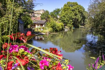 Montrésor. Le château et les rives de l'Indrois. Indre-et-Loire. Pays de Loire