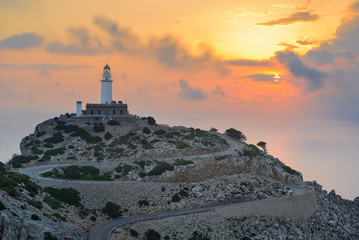 Photo sur Plexiglas Phare Formentor Lighthouse at sunrise, Majorca, Spain