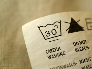 Detailansicht eines Wäscheschildes