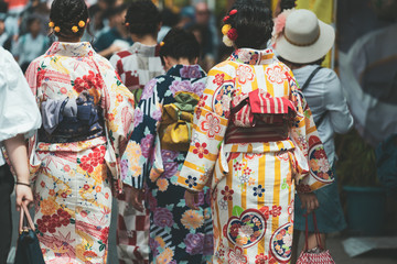 Japanese woman wearing kimono Wall mural