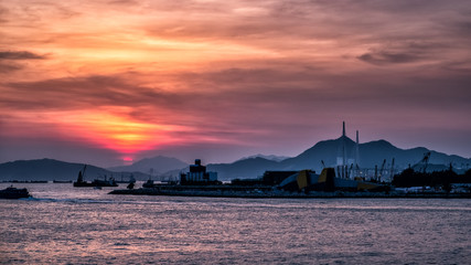 Fotomurales - Sunset of Victoria Harbor of Hong Kong