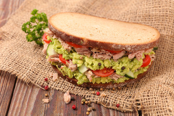 sandwich with avocado and tomato