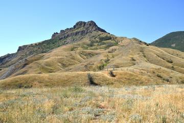 потухший вулкан Карадаг. Крым.