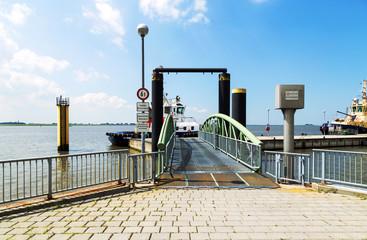 Schlepperpier in Bremerhaven an der Nordseeküste