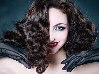 Portrait Cabaret cheveux et maquillage