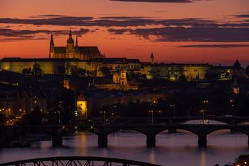 Fototapeta Der Veitsdom in Prag am Abend
