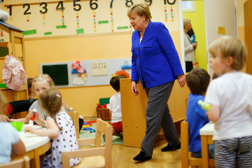 Merkel visits the Caritas Association in Cologne