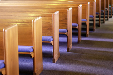 Rows of Church Pews in an Empty Church Sanctuary Fotomurales