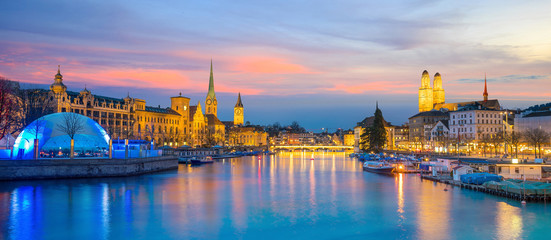 Fototapete - Cityscape of downtown Zurich in Switzerland