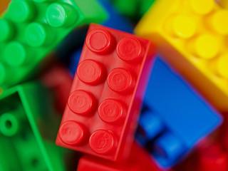 Steckbausteine aus Plastik, Plastic building blocks