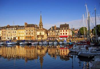 Hafen von Honfleur, Normandie, Frankreich Fototapete