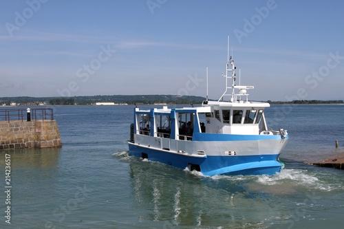 bateau promenade amphibie ,saint vaast la hougue, île de