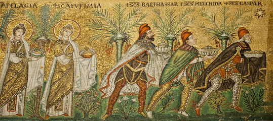 Die heiligen drei Könige,, Detail aus dem Mosaik Zug der Jungfrauen  in der Kirche Sant' Apollinare Nuovo, Ravenna, Emila Romagna, Norditalien, Italien, Europa