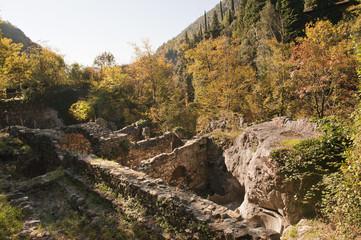 Ruine der Papiermühle Gatto, Valle delle Cartiere, Papiermühlental, Toscolano-Maderno, Gardasee, Lago del Garda, Provinz Brescia, Region Lombardei, Italien
