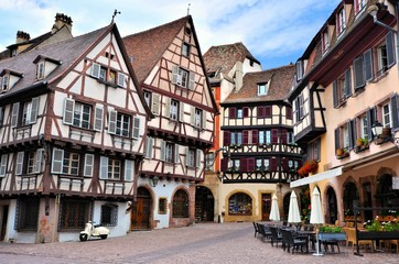 Fototapete - Picturesque half timbered buildings of the Alsatian city of Colmar, France