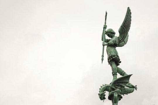 L'archange St Michel à Fourvière, Lyon