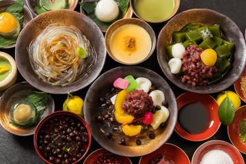 豆かん,あんみつ beans and cubes of agar Japanese sweets