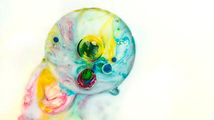 Bulles d'encre colorée