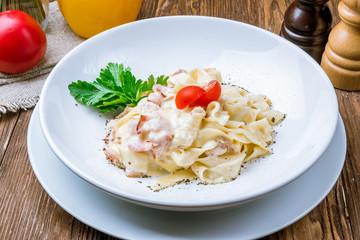 Spaghetti Carbonara with bacon