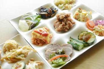 Foto op Aluminium Buffet, Bar ビュッフェ料理 和食