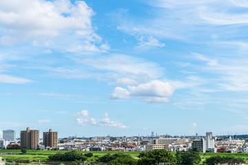 東京郊外の風景 青空と雲と住宅地1
