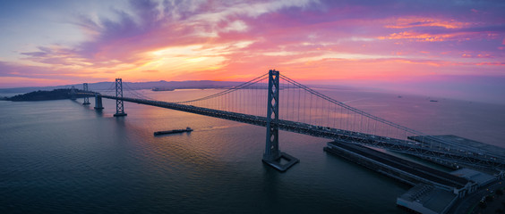 Fototapete - San Francisco-Oakland Bay Bridge at Sunrise