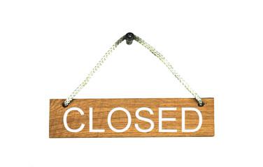 Isoliertes Holzschild mit Seil: Closed