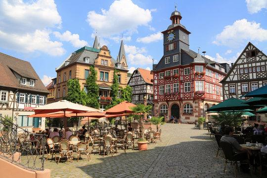 Der historische Marktplatz von Heppenheim an der hessischen Bergstrasse