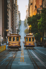 Foto op Plexiglas Amerikaanse Plekken San Francisco Cable Cars on California Street, California, USA