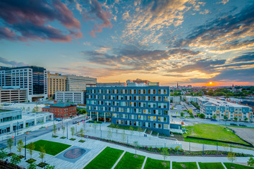 Eager Park and Johns Hopkins Hospital at sunset, in Baltimore, Maryland