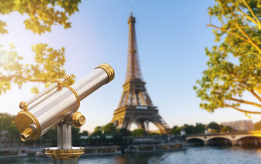 Telescope with view to the Eiffel Tower in Paris