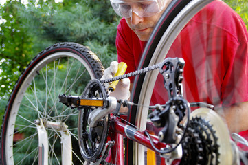 Maintenance of a bicycle derailleur