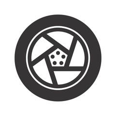 tire logo. wheel icon. circle symbol. vector eps 08.