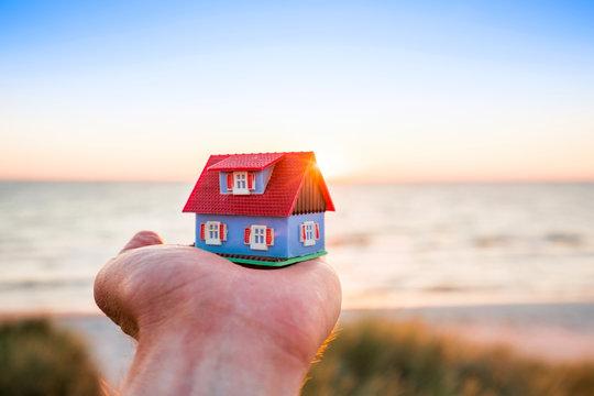 Traum vom Eigenheim am Meer