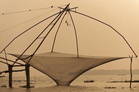Chinese fishing net, Vembanad lake, Kerala, India, Asia