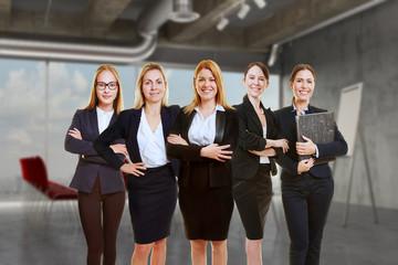 Zusammenarbeit Konzept mit Geschäftsfrauen