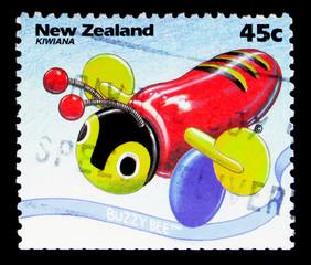 Buzzy Bee, Kiwiana serie, circa 1994