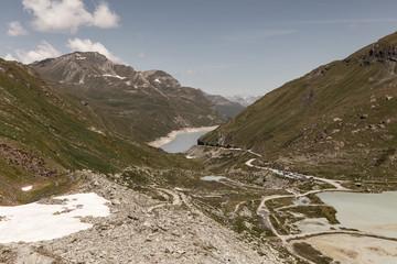 Paysage de montagne vue sur le Val d'Anniviers en Suisse