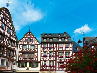 Historische Fahwerkhäuser in der kleinen Altstadt von Bernkastel-Kues an der Mosel