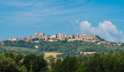 Keuken foto achterwand Olijf Todi (Umbria, Italy) - The suggestive medieval town of Umbria region, in a summer sunday morning.