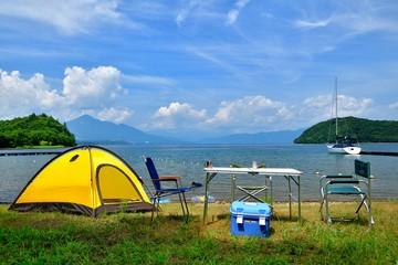 夏の湖・キャンプの風景