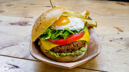 Vegetarian Burger with egg