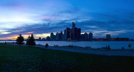 DETROIT, MI - SEPTEMBER 23, 2015: Panoramic view of Detroit skyline with the world headquarters for General Motors Corporation, situated along the Detroit River.